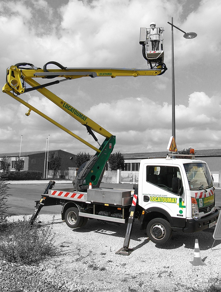 Truck mounted boom lift 18m