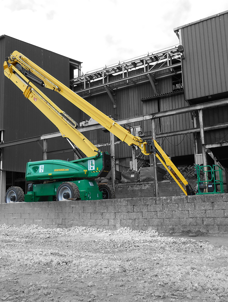 Articulated boom lift 41 m