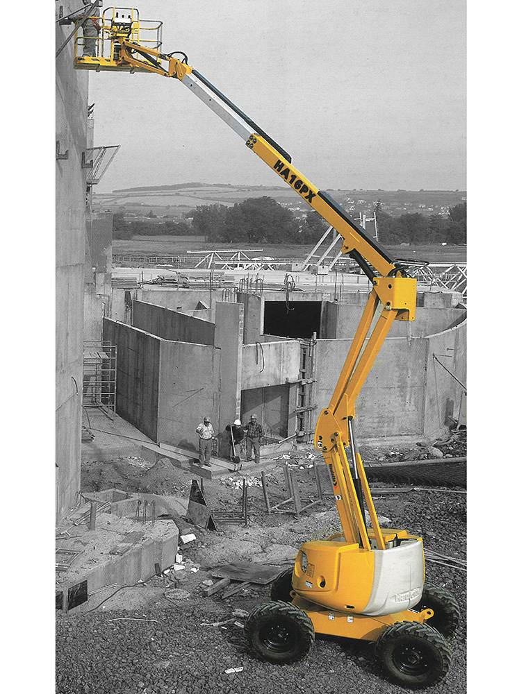 Articulated boom lift 18 m