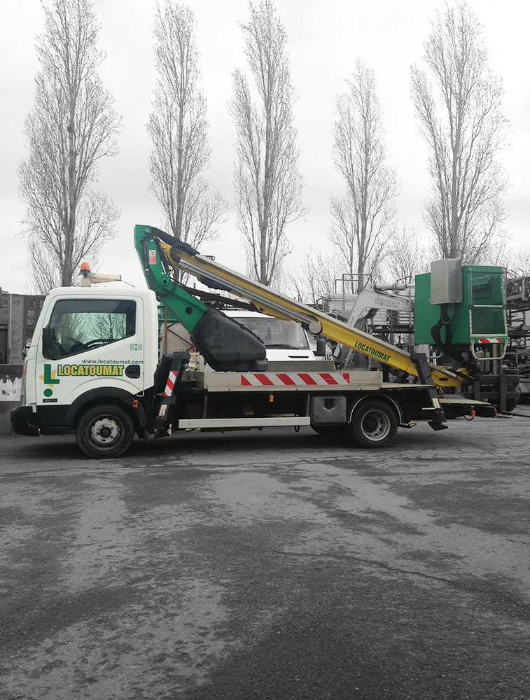 Truck mounted boom lift 14m