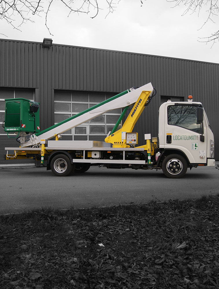 Truck mounted boom lift 17m